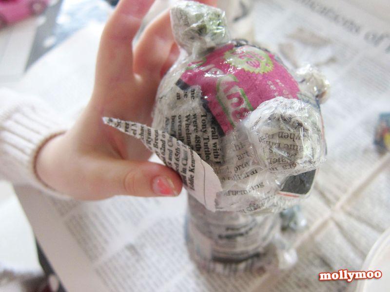 Papier-mache-frogs-glue