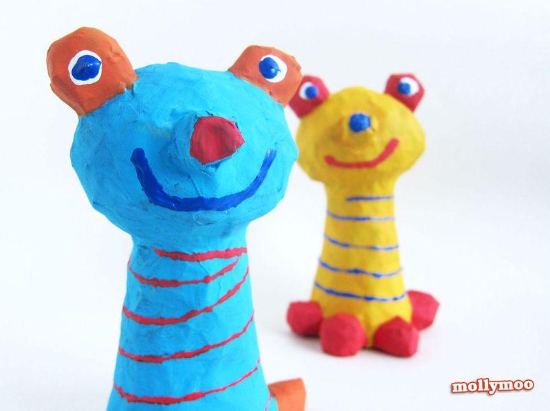 Papier-mache-frogs-closeup
